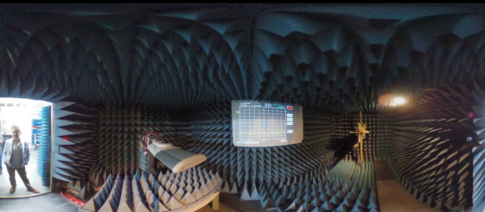 360_image_of_an_electromagnetic_anechoic_chamber